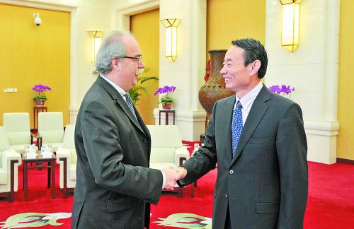 中国石油天然气股份有限公司董事长蒋洁敏总经理会见了道达尔集团